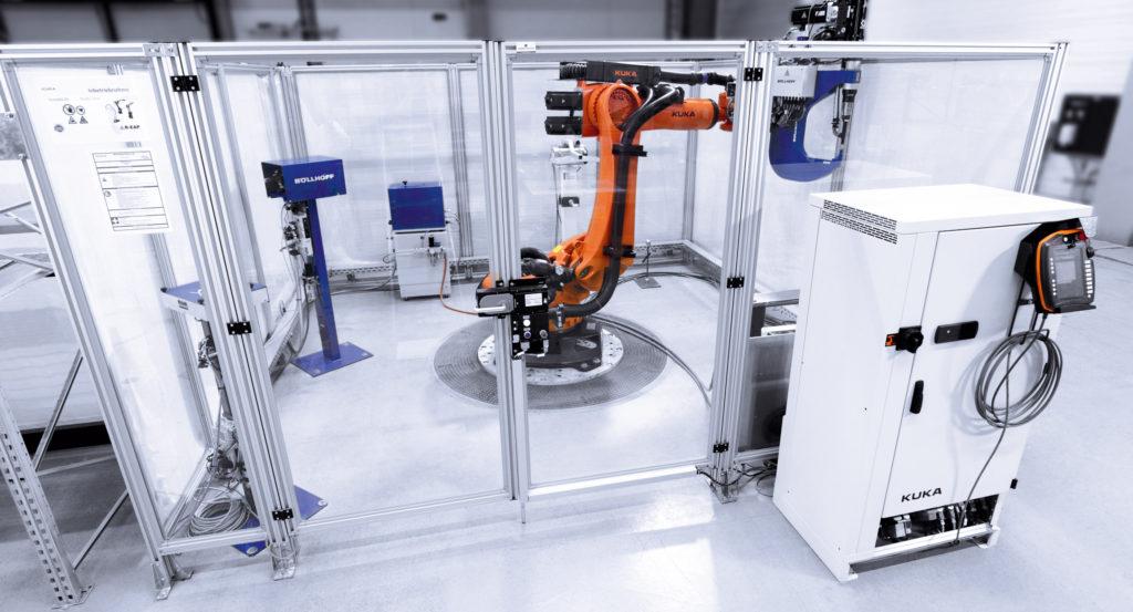 empresa de robótica KUKA HMI